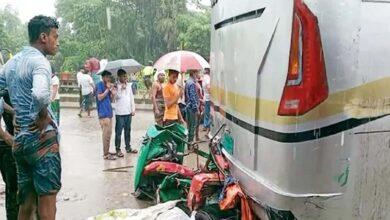 Photo of কুমিল্লার মনোহরগঞ্জে বাসচাপায় অটোরিকশার ৪ যাত্রী নিহত