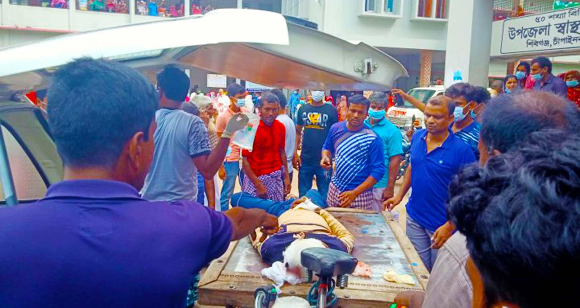 চাঁপাইনবাবগঞ্জ সড়ক দুর্ঘটনায় নিহত ২, আহত ২